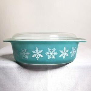 Vintage Pyrex Oval Snowflake 2.5 qt Blue w/ Lid